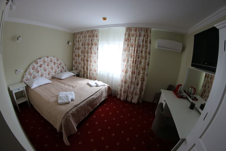 104 Double/Twin room in center  Suceava