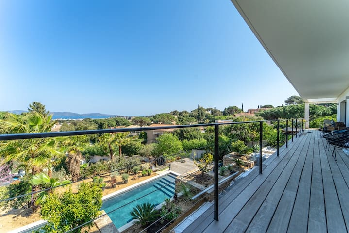 Great flat in a villa with pool