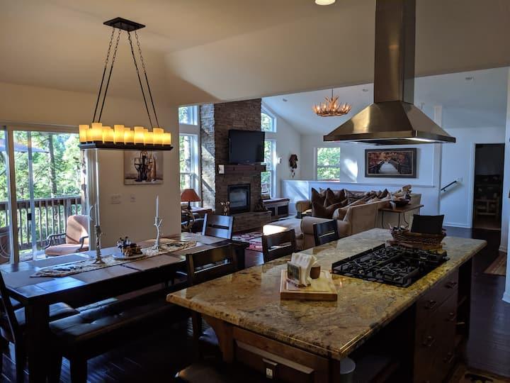 Moose Lodge - Luxury Pollock Pines Retreat