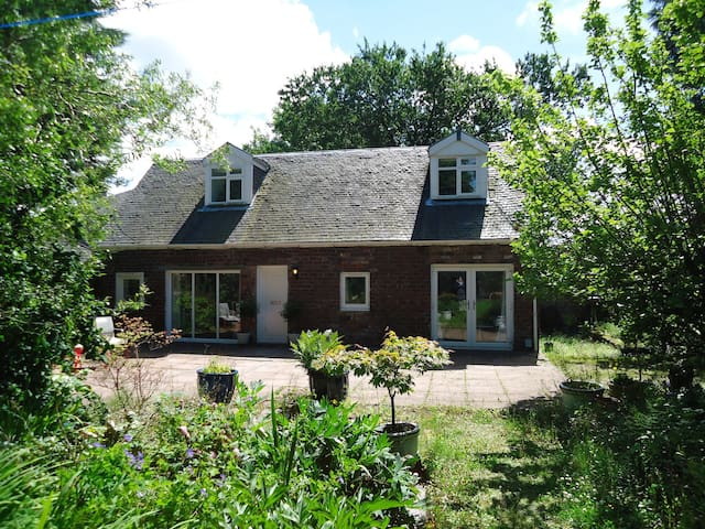 Garden Cottage, Bishopton - Bishopton - Casa