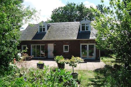 Garden Cottage, Bishopton - Bishopton
