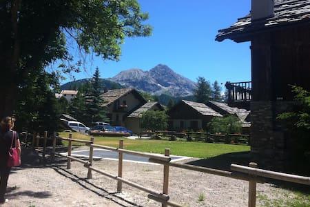 San Sicario e le sue piste a 150 m - Cesana torinese