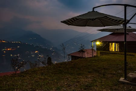 Mustard Seed Farm Stay (Luxury Cottages) - Gangtok - Hut