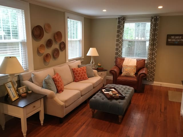 Cute Dilworth Bungalow - Close to it All