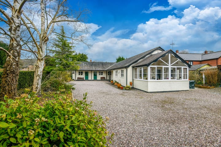 Lovely Holiday Home in Lydbury with Garden