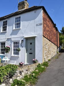 Quaint and cosy former fisherman's cottage
