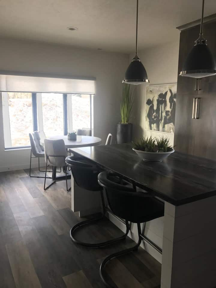 Short Term or Long Term Stay! Fully Furnished!