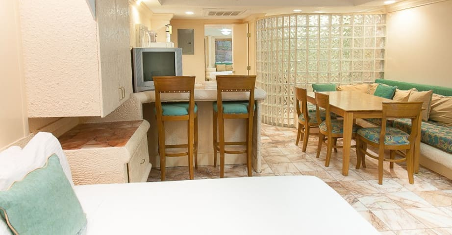 Ocean At Taino: 1-BR, Sleep up to 6, Full Kitchen