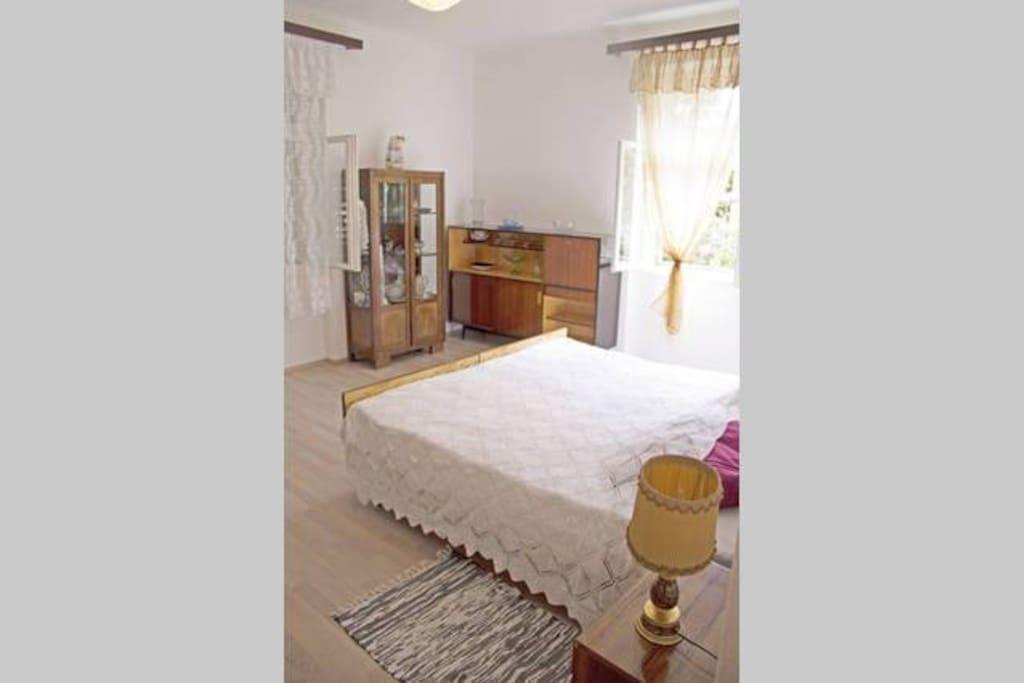 Room big 2