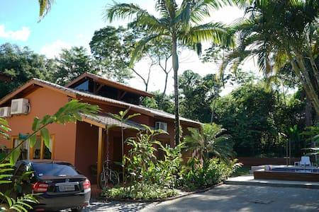 Linda Casa Térrea-Praia de Juquehy (São Sebastião) - São Sebastião - Huis