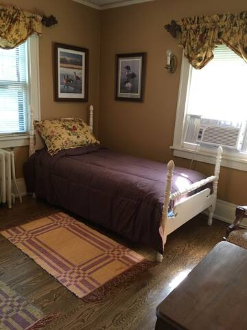 Hallett House Bed & Breakfast -Laurel & Hardy Room - Deerwood - Appartamento