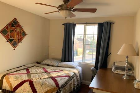 Private room in Pristine Camarillo location