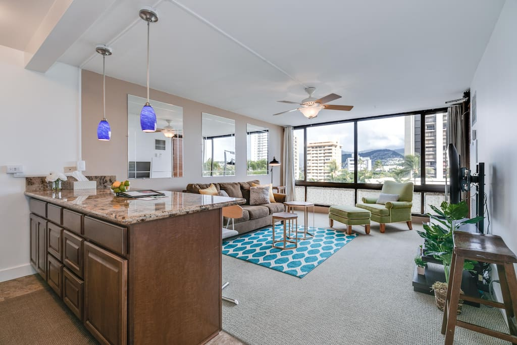 Located in the East side of Waikiki. You will enjoy this 1 Bedroom, 1 Bathroom unit (546 sqft.) with Lanai (=Balcony 55 sqft.) which has City & Pool, Tennis Courts and partial Diamond Head view on the 7th floor. Open Full Kitchen has everything you need to cook meals. A FREE PARKING is a Big Plus! Tax Included!