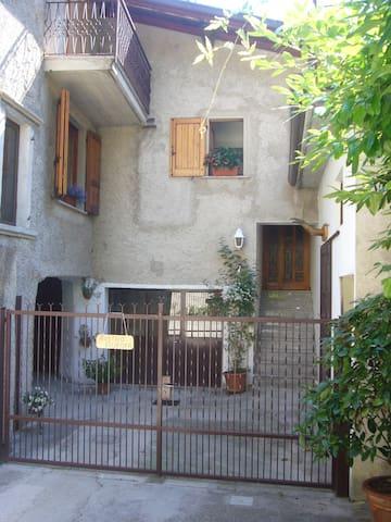 Casa Lucia - Tignale-Lago di Garda - Prabione - Huis