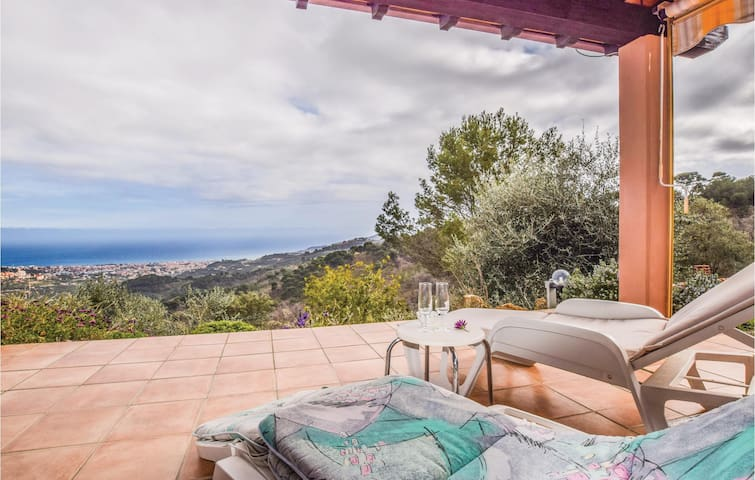 Holiday cottage with 1 bedroom on 50m² in Diano Arentino (IM)