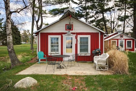 Silver Lake Waterfront Cottage.  Lollygaggin' - Mears