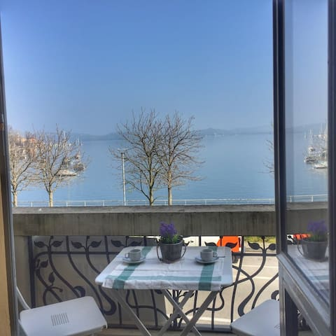 Apartment Solaya on the lakefront in Lesa
