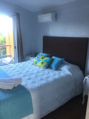 Private room w/ terrace near beach. - Piriapolis - Casa