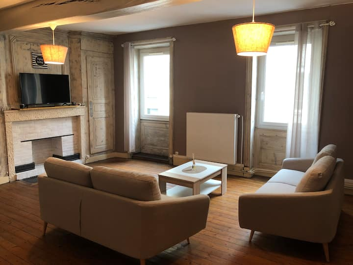 Spacieux appartement 2/6 pers 110m² proche CNPE