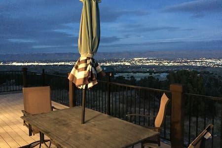 Private, yet close and ride/hike from door - Grand Junction - Talo