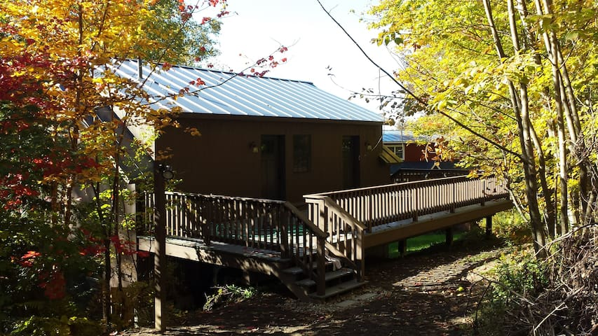 Camels Hump Carriage House - Huntington - Guesthouse