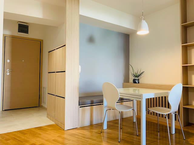 Brand NEW, fully EQUIPPED apt. in the city center