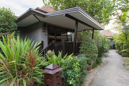 Garden View Villa at Party Phi Phi! - Ao Nang - Villa