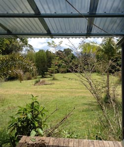 Nimbin village retreat - Nimbin - Casa
