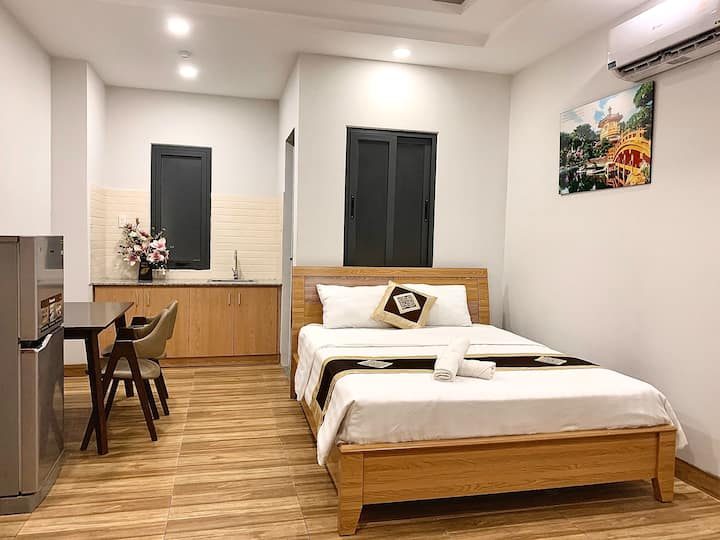 Spacious Room | Near Airport | Suitable for Couple