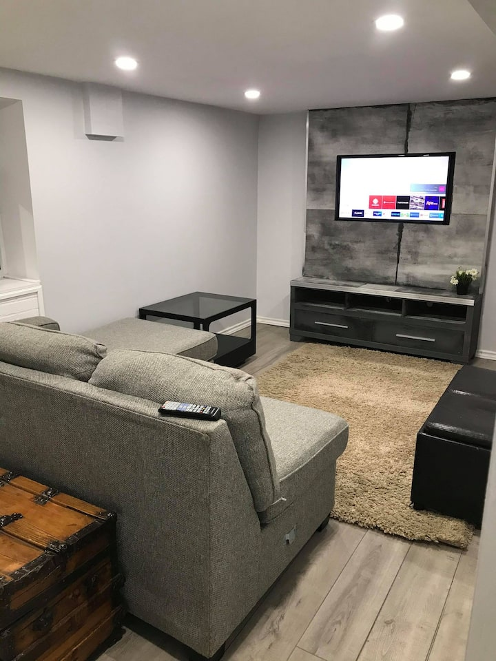 1 bedroom Basement Apt
