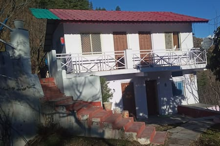 Humble stays in Joshimath - Snowy Area! Room 1