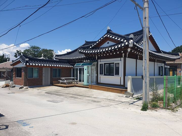 Jinri Hanok 진리한옥 Korea's tradition house 본채 전체사용