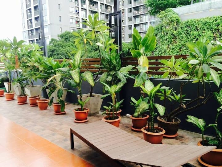 Single Room w/Rooftop Garden right in Sathorn!