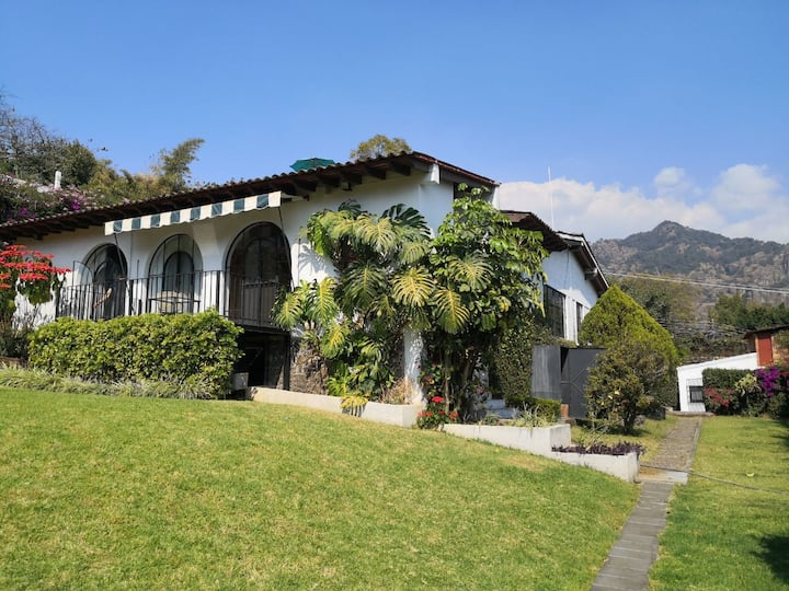 Beautiful, furnished  home in downtown Tepoztlan!