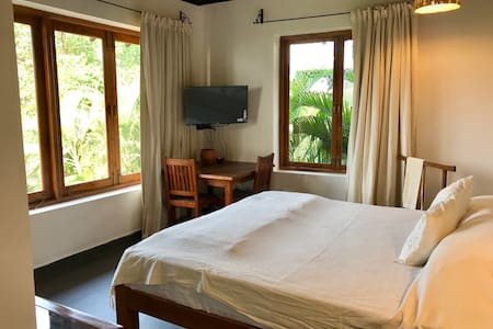 Bed and Breakfast Room - Baga