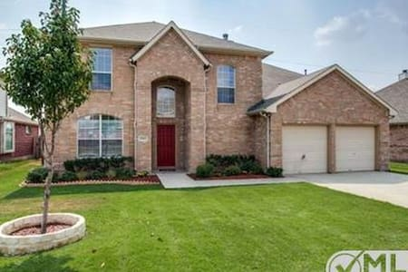 Furnished House available in Plano - Plano