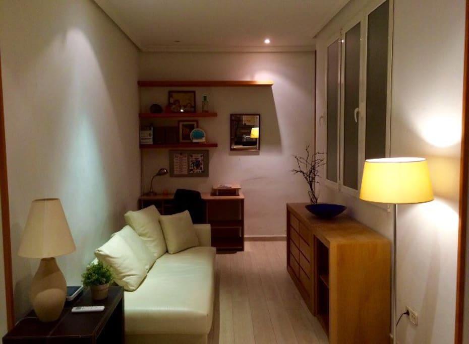 Cozy apparment bonito apartamento puerta del sol for Puerta del sol apartamentos
