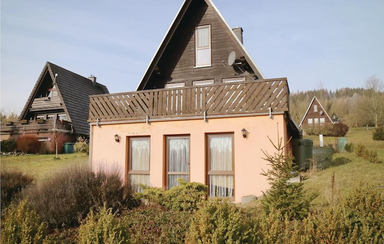 Holiday cottage with 2 bedrooms on 110 m² in Bad Lobenstein
