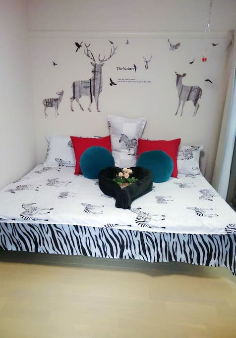 Room is really homey. Suitable for family of 3 or couples  房间布置温馨.适合一家三口.情侣等入住.