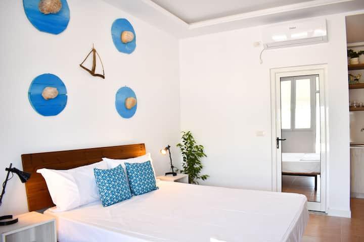 Azure ( little comfy room 7)