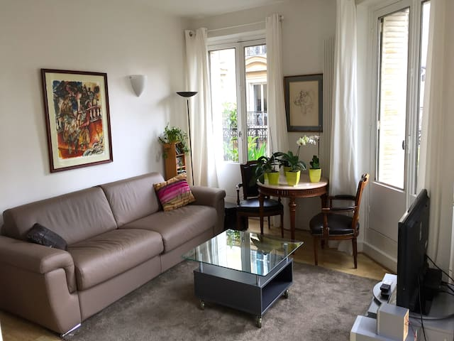 Modern spacious flat in the heart of Montparnasse