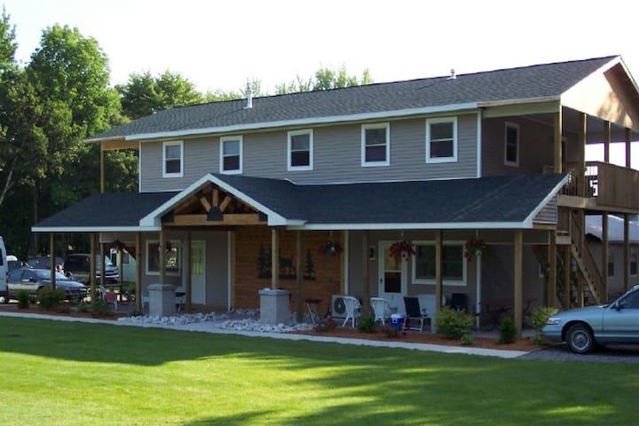 Sauble Resort on Hamlin Lake Family Lodge 2