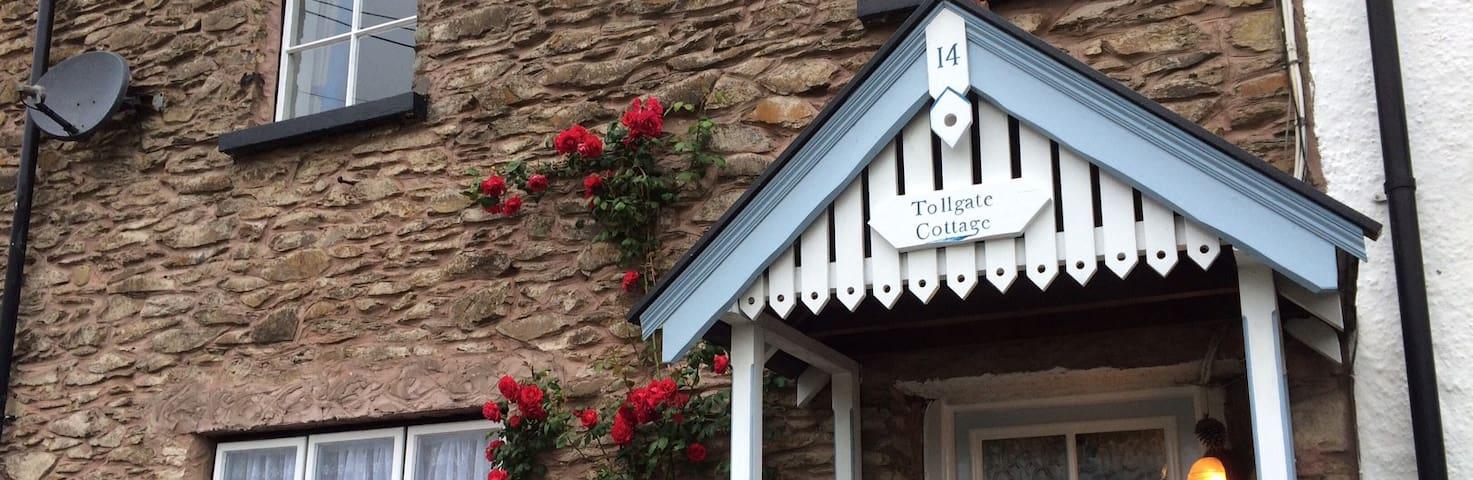 Newly refurbished cottage - 4 mins stroll to beach - Devon - House