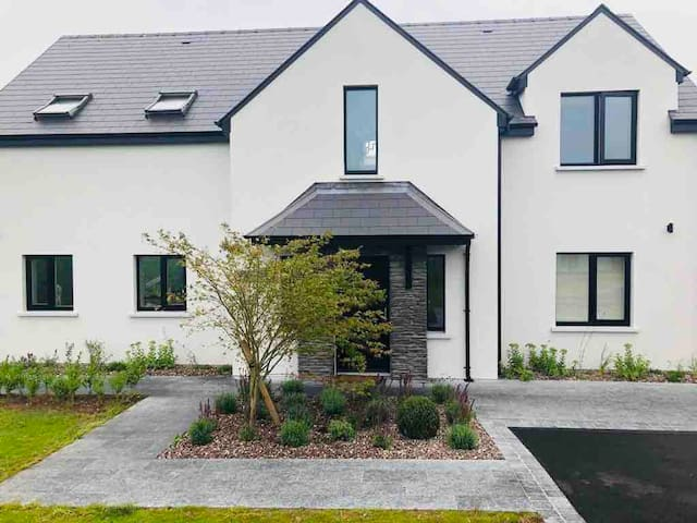 Luxurious Modern New Home in Historical Blarney