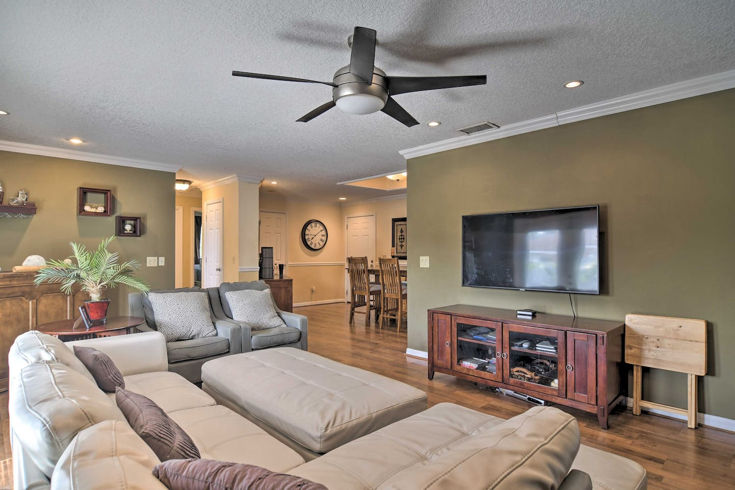Unwind with your crew of 6 in the spacious living room.