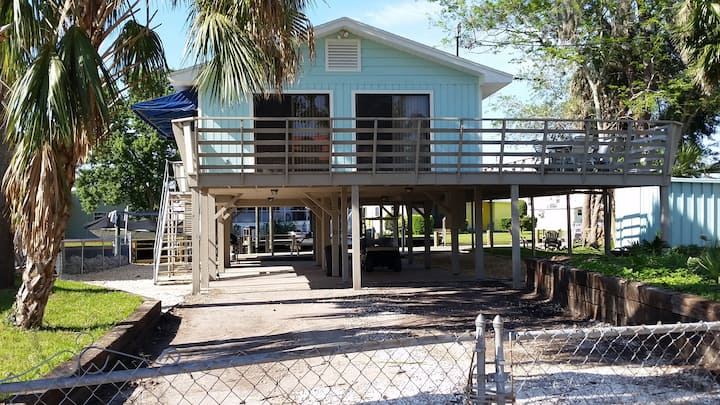 Waterfront - Old Homosassa River House