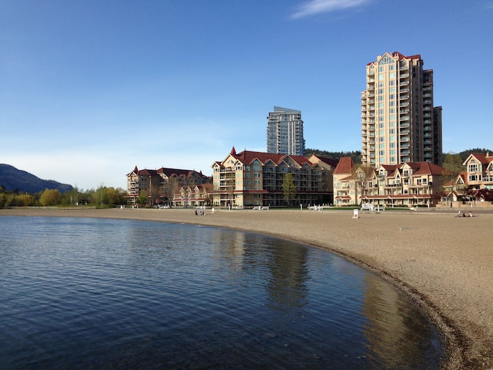 Beach Front Beautiful 3 Bedroom Condo Downtown