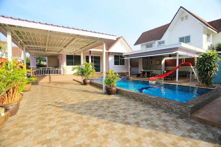 Tropical Hill Pool Villa,  Hua Hin