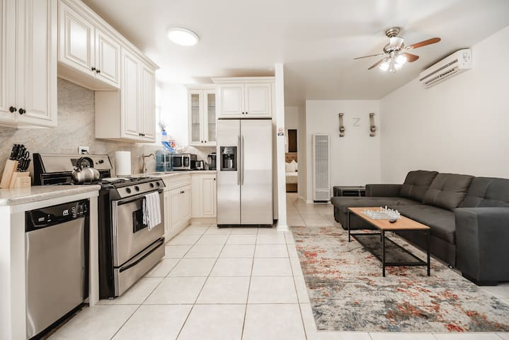 Newly Remodeled Home- Short Drive to Everything LA