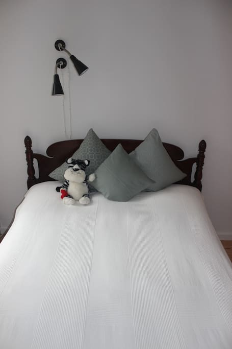 Queen-Size double bed.